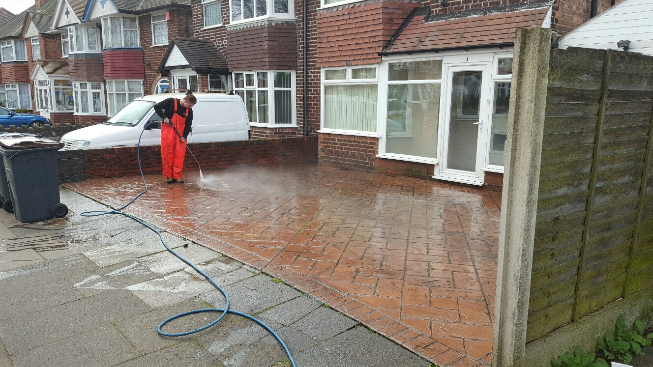 Driveway & Patio Cleaning in Walsall